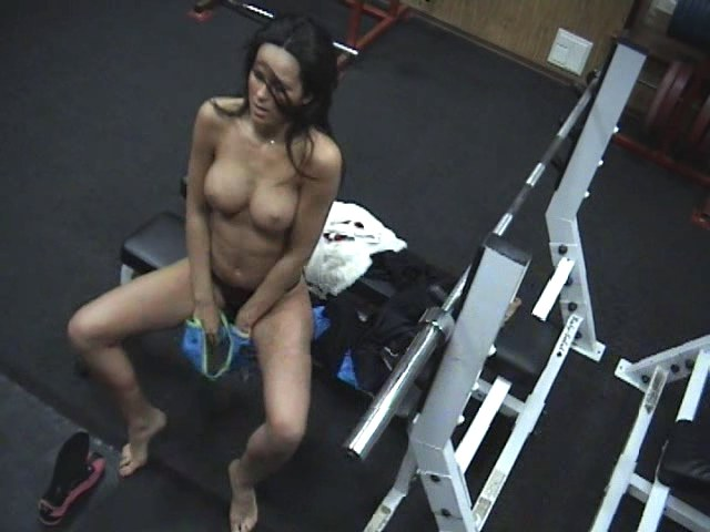 Bimbo changing in the gym