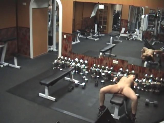Stripping gal caught tangled security cam in the gym