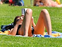 Bikini sluts provide with hot spread